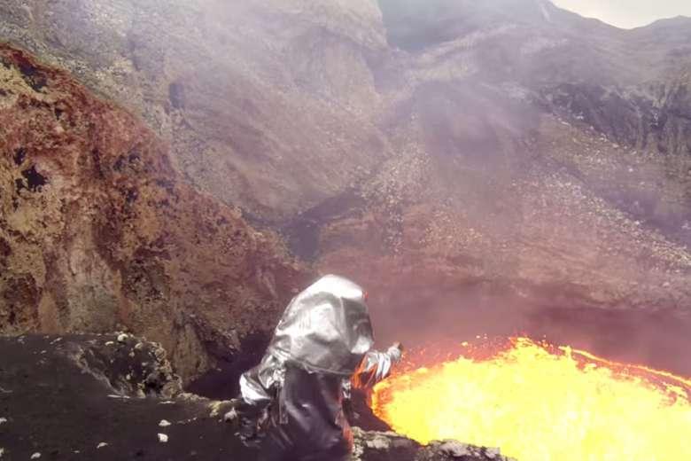 知られざる火山をドローン撮影