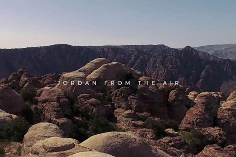まるでファンタジーの世界、美しい国ヨルダンをドローンで空撮