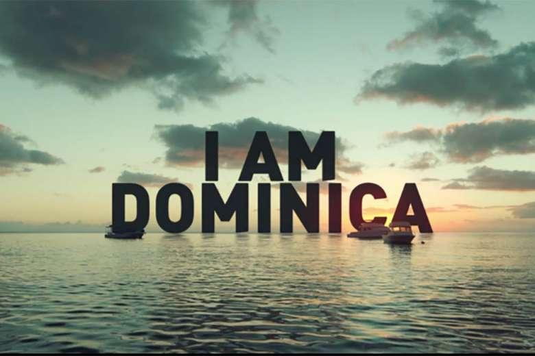 カリブ海に浮かぶドミニカ共和国をドローンが紹介
