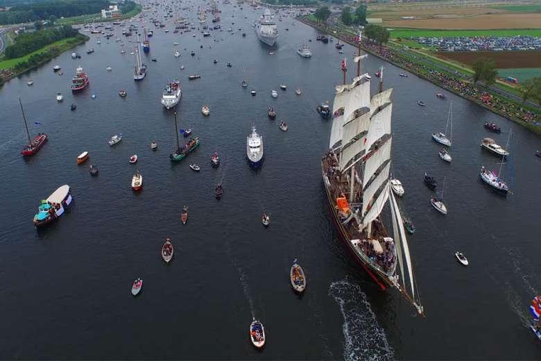 ドローンが空撮したオランダ、アムステルダム帆船祭り2015