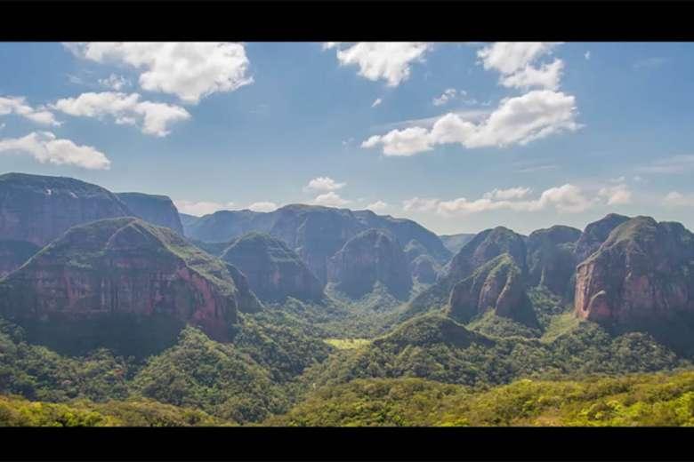 南米ボリビアをめぐる12日間のドローントリップ