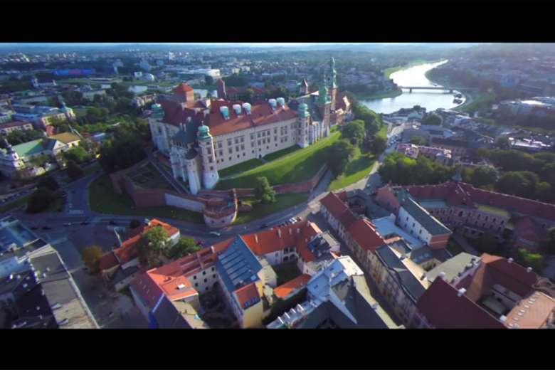 ポーランドの美しい風景をドローンで撮影