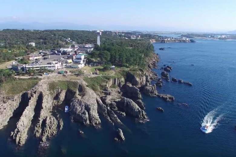 海上から空撮、福井県の絶景スポット「東尋坊」