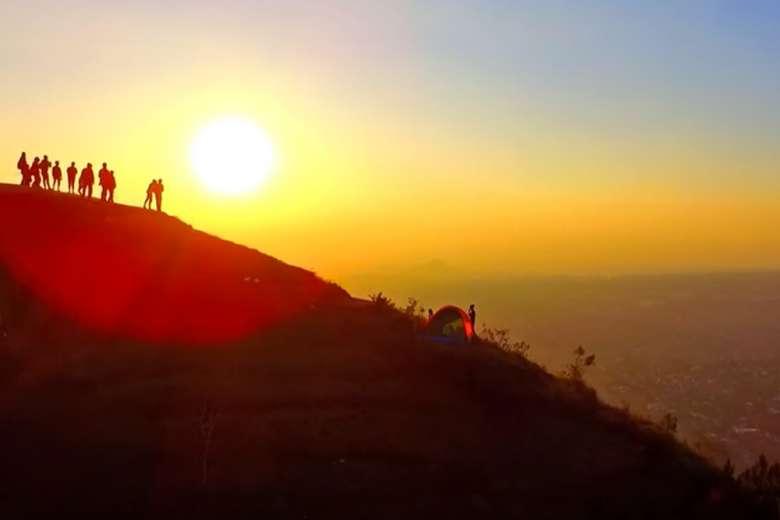 日常も非日常も輝かせるドローンの世界、ジャワ島マラン