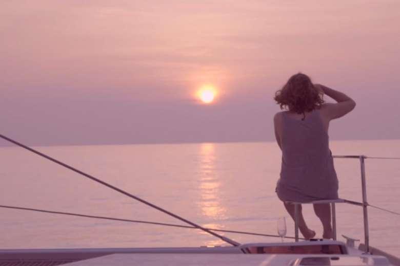 インドのアンダマン・ニコバル諸島、ヨットで海風を感じながら至福の時間を過ごす