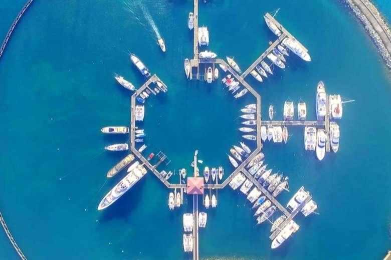 ドローンが伝えるカリブ海、セント・マーチン島の美しい魅力