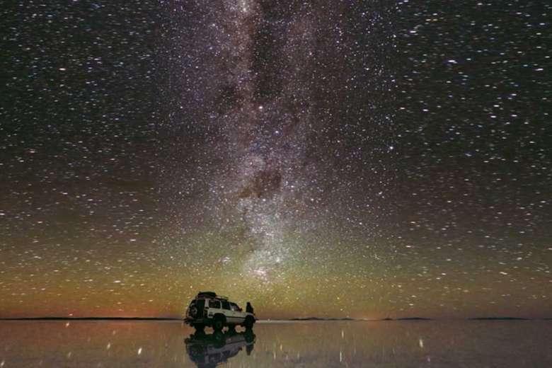 奇跡を見ているかのよう、ウユニ塩湖の絶景映像