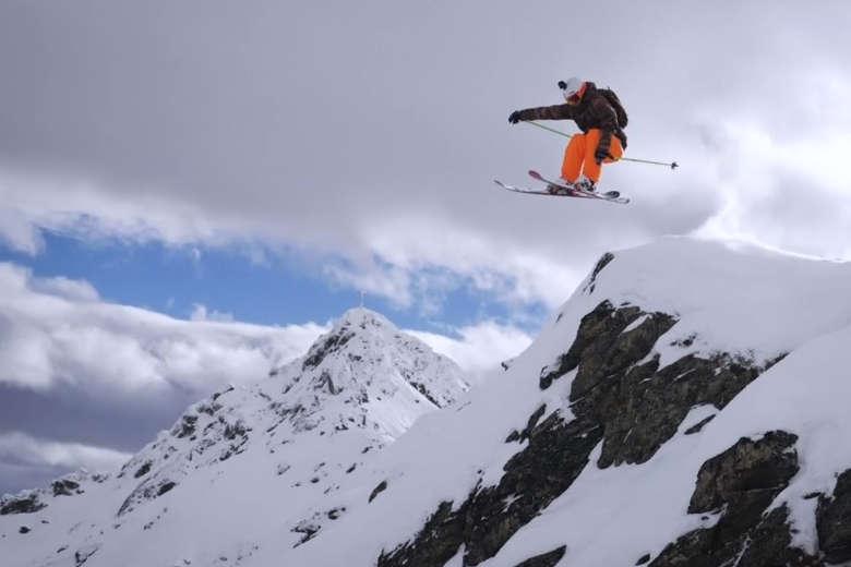 スリリングに駆け抜ける!オーストリアで山スキー