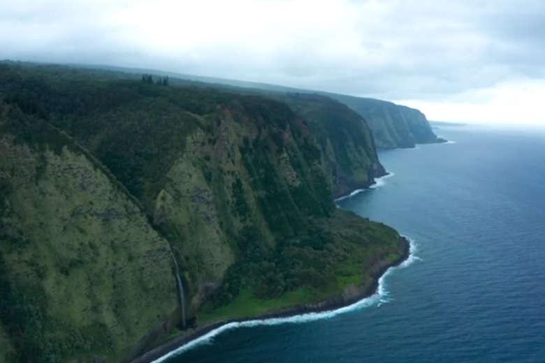 ハワイ島のダイナミックな自然をドローンで空撮